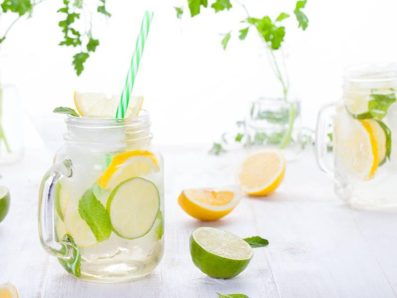 Bebidas saludables para refrescar el verano